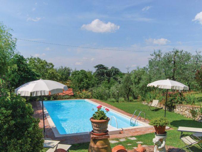 Tuscany Real Estate - Azienda Agricola Chianti Classico   - itc pool 04b 680x510